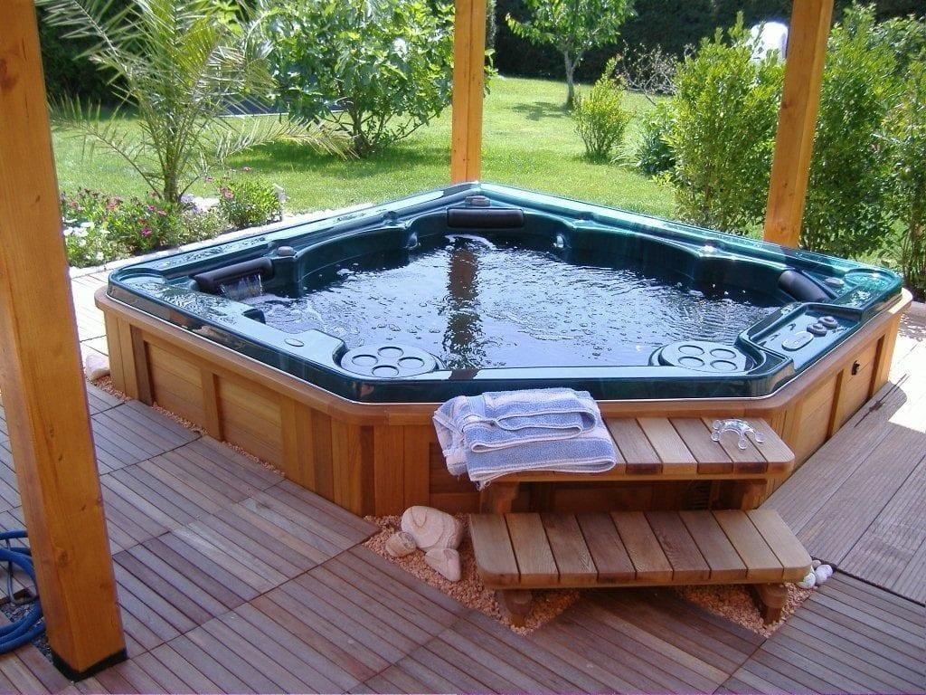 Garden Hot Tube
